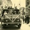 Dimanche 1er juin 1958 - Manifestation pour l'investiture du Général de Gaulle - Avenue de la République - Corte - Corse (Copier) copie