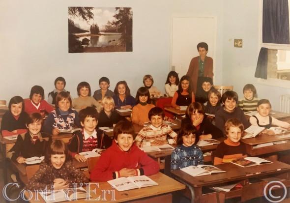 Porette CM1 1977 Mme Montet (Photo Marc Orsatelli) LOGO